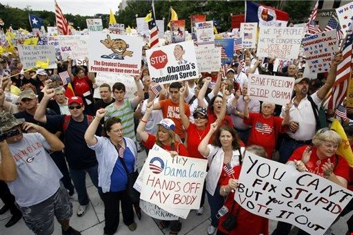 Obamacare protesters in 2009. (Source: townhall.com)